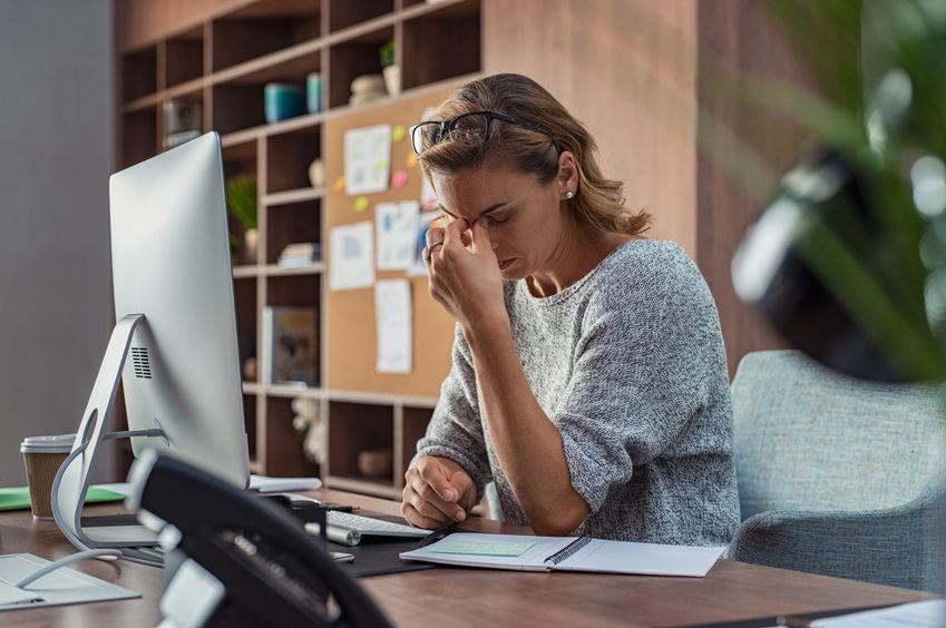 Stress mit Online? – Diese 5 Übungen entspannen Kopf und Stimme